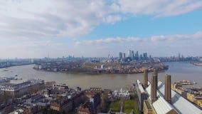 Vogelperspektive von London-Stadt-Gesamtlänge stock video