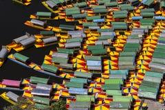 Vogelperspektive von mexikanischen Parkbooten im xochimilco Lizenzfreie Stockfotografie
