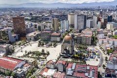 Vogelperspektive von Mexiko City mit Revolutionsmonumentquadrat Lizenzfreie Stockbilder