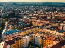 Vogelperspektive von namesti miru Quadrat in Prag lizenzfreies stockfoto