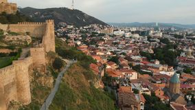 Vogelperspektive von Narikala-Festung Tiflis Georgia 2018 stock video footage