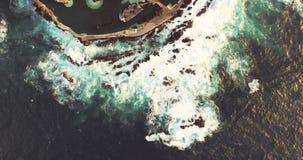 Vogelperspektive von natürlichen Pools Porto Moniz auf der Insel von Madeira stock video