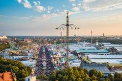 Vogelperspektive von Oktoberfest, München, Deutschland Stockfotografie