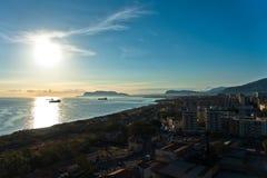 Vogelperspektive von Palermo-Hafen bei Sonnenaufgang, Sizilien stockfotografie