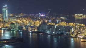 Vogelperspektive von Palme Jumeirah-Insel-Nacht-timelapse stock footage