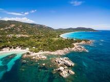 Vogelperspektive von Palombaggia-Strand in Korsika-Insel in Frankreich stockfoto