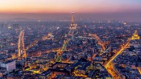 Vogelperspektive von Paris bei Sonnenuntergang Stockfoto
