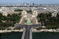 Vogelperspektive von Paris, Frankreich mit der Seine lizenzfreie stockbilder