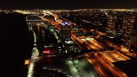 Vogelperspektive von Penns Landungsphiladelphia-Ufergegend nachts stock video footage