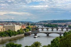 Vogelperspektive von Prag, Ansicht Tschechen RepublicAerial von Brücken über der Moldau in Prag Tschechische Republik Stockfoto