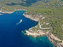 Vogelperspektive von Punta Galera und von Cala Salada, Ibiza stockbilder