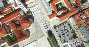 Vogelperspektive von Roman Forum und von Kalelarga in Zadar, Kroatien stock video footage
