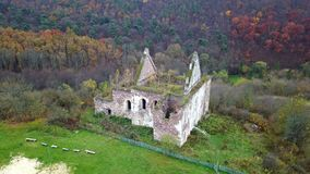 Vogelperspektive von ruiniert von der Kirche der Annahme von Jungfrau Maria Ternopil Region ukraine stock footage