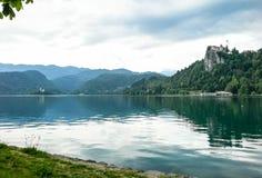 Vogelperspektive von See geblutet mit der Mary-Kirche auf Bled Insel stockfoto