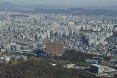 Vogelperspektive von Skylinen Asien - Ansicht Seouls Südkorea vom Seoul-Turmgipfel - November 2013 Lizenzfreies Stockbild