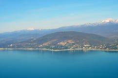 Vogelperspektive von Sochi Berge, Himmel und Meer Lizenzfreies Stockfoto