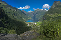 Vogelperspektive von szenischem Geirangerfjord Stockbilder