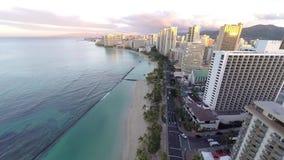 Vogelperspektive von Waikiki-Strand in Honolulu, Hawaii stock video footage
