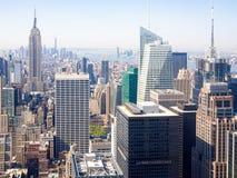 Vogelperspektive von Wolkenkratzern in New York Stockbild