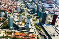 Vogelperspektive von Wolkenkratzern an Sants-Montjuicbezirk Barcelona Stockfotos