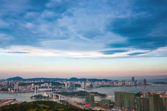 Vogelperspektive von Xiamen an der Dämmerung Stockbilder