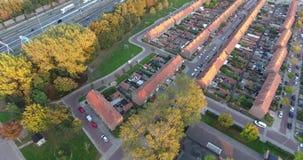 Vogelperspektive von zwinjdrecht Stadt, Herbstsaison, Sonnenuntergang stock video footage