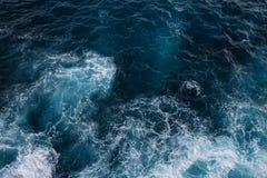 Vogelperspektive zu den Meereswogen Nahtloses Muster stockbilder