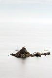 Vogelperspektiveinseln im blauen Meer mit Kopienraum Lizenzfreies Stockbild