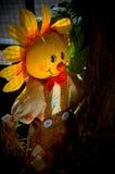 Vogelscheuche, die von der Sonne sich versteckt Lizenzfreie Stockfotos