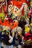 Vogelverschrikkerpoppen op verkoop in Chester England stock afbeeldingen