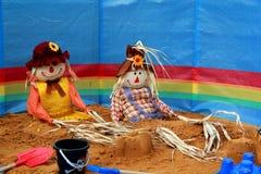 Vogelverschrikkers op het strand Royalty-vrije Stock Foto's