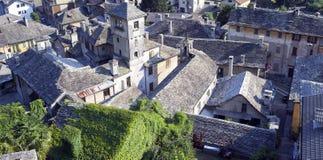 Vogogna (valle di Ossola, Piemonte): vecchio panorama del villaggio Immagine di colore Fotografie Stock