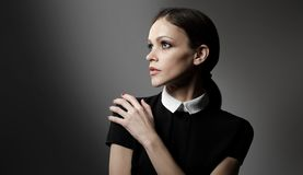 Vogue-Mädchen Sie hat Angst lizenzfreie stockfotos