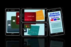 Voici une image au sujet des applis de téléphone portable qui vous aident à contrôler et maintenir la dépense de cartes de crédit illustration libre de droits