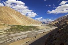 Voie à la vallée Ladakh, Inde de Nubra Photos stock