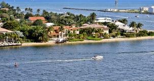 Voie d'eau côtière inter dans le Fort Lauderdale, la Floride Image stock