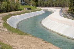 Voie d'eau de rivière Isar en Allemagne image libre de droits