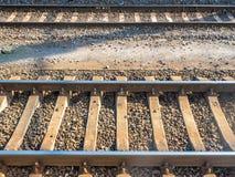 Voie de chemin de fer parallèle images libres de droits