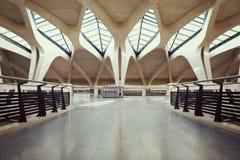 Voie de hall vide d'aéroport Photographie stock libre de droits