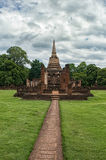 Voie de Wat Chang Lom, Sisatchanalai, Sukhothai, Thaïlande photos stock