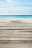 Voie en bois à une plage Photos libres de droits