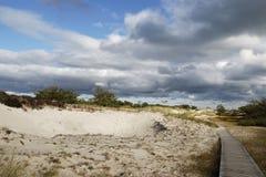 Voie par les dunes photos stock