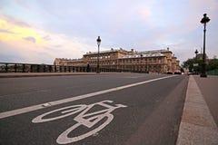 Voie pour bicyclettes sur le rouan à Paris, France Image stock