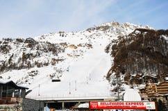 Voie raicing de ski en ville Val D'Isere, France Image libre de droits