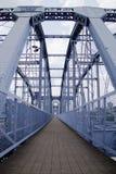 Voie sans fin de pont bleu Photo libre de droits