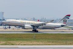 Voies aériennes Airbus A330-243 d'A6-EYM Etiad Photos libres de droits
