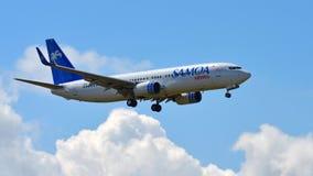 Voies aériennes Boeing 737-800 du Samoa débarquant à l'aéroport international d'Auckland Image libre de droits