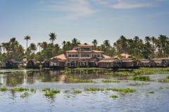 Voies d'eau et bateaux du Kerala Image stock