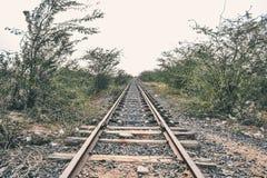 Voies de chemin de fer au milieu de nulle part photos libres de droits