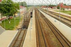 Voies de chemin de fer pour des trains Images libres de droits